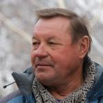 Десятки высококласных спортсменов - альпинистов воспитал Федор Ефимович Попов.